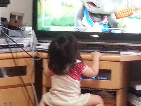 TVに夢中1.jpg